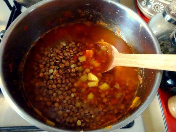 Soupe aux lentilles curry pommes de terre