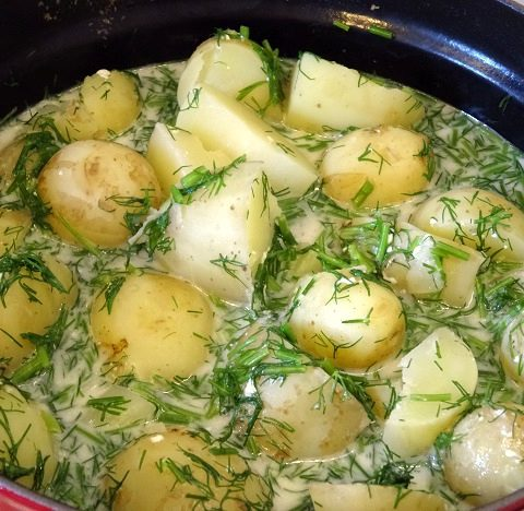 Cuisine moldave traditionnelle cartofi cu marar
